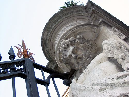 Bust on italian column
